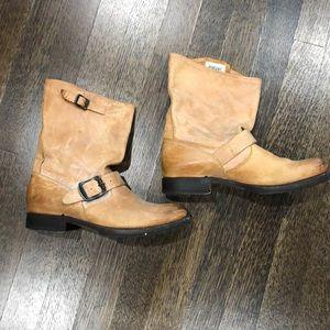 Women's Frye boots size 7.5